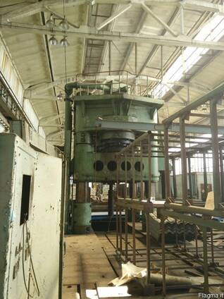 Used hydraulic stamping press with sliding table force 3150t