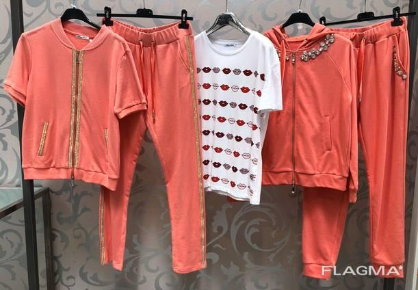 Агент по оптовым закупкам одежды Киталия в Прато Италия