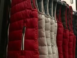 Куртки, ветровки, безрукавки - лот на мальчиков и девочек - фото 8