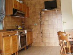 Квартира с большой террасой 200м от моря - фото 3