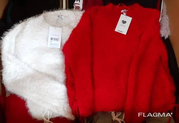 Stock фирменной женской одежды